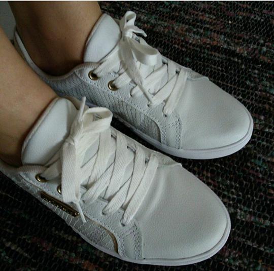 tênis branco.png